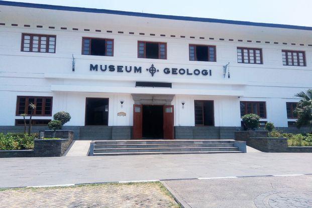Wisata Museum Geology dan Angklung Udjo by Viva Wisata