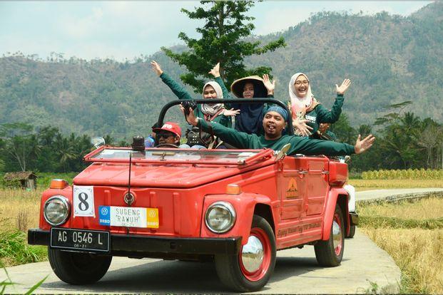 One Day Tour VW (Volkswagen) Ride Candi Plaosan Klaten by Arowisata