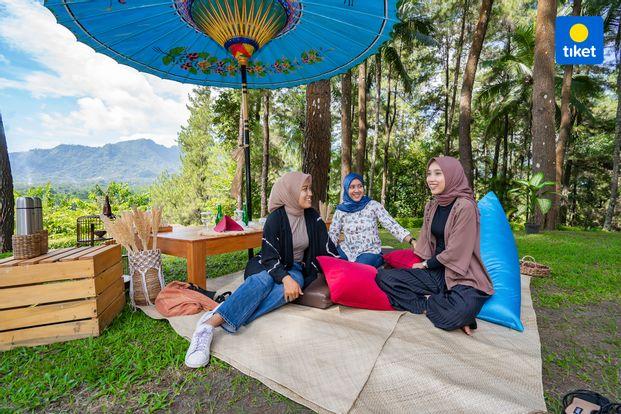 Makan Siang dan Piknik di Dagi Abhinaya Borobudur