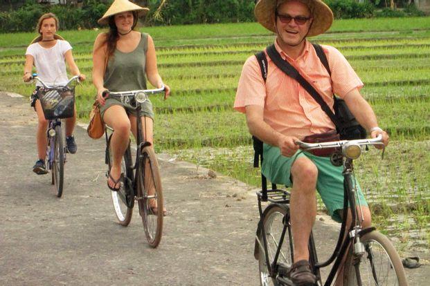 Tur Sepeda Balik Ndeso di Candi Plaosan by Arowisata