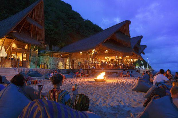 Beach Club Shuttle Transfers in Bali