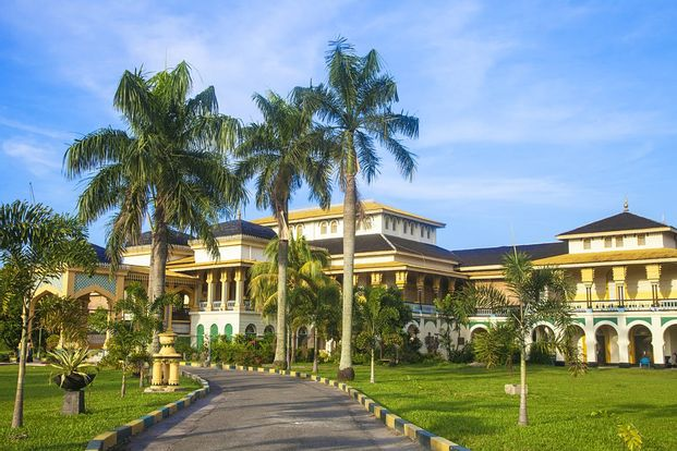 Berastagi and Maimoon Palace Day Tour from Medan