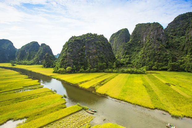 [Small Group] Hoa Lu and Tam Coc Day Tour from Hanoi