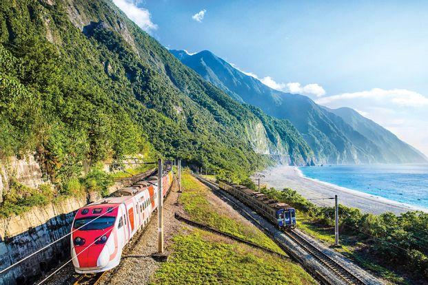 4D3N Hualien East Coast Railway Tour from Taipei