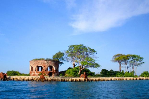 Kelor, Onrust, and Cipir Island Tour from Jakarta
