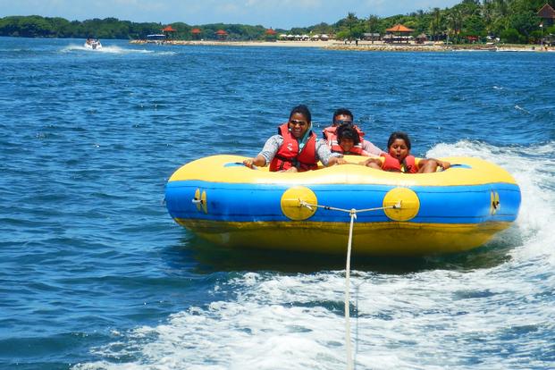 Banana Boat, Donut Slider by Pandan Sari Water sport