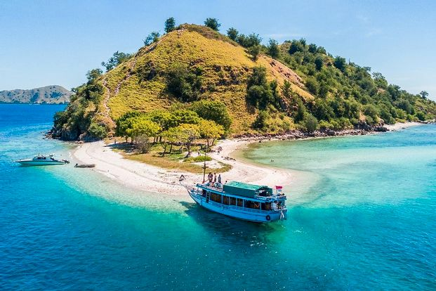 4D3N Sailing Komodo by Oneasia Tours