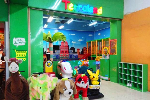 Terraland Candy Island Playground in Rajawali Surabaya