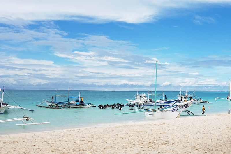 Group Island Hopping in Boracay with Transfer