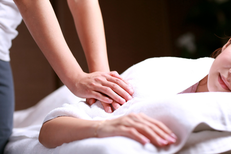 Body Oil Massage at I-Ching in Taipei