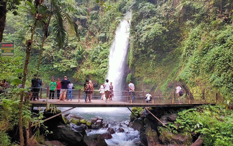 Situ Gunung Lake, Situ Gunung Bridge, And Curug Sawer Trekking Tour from Jakarta