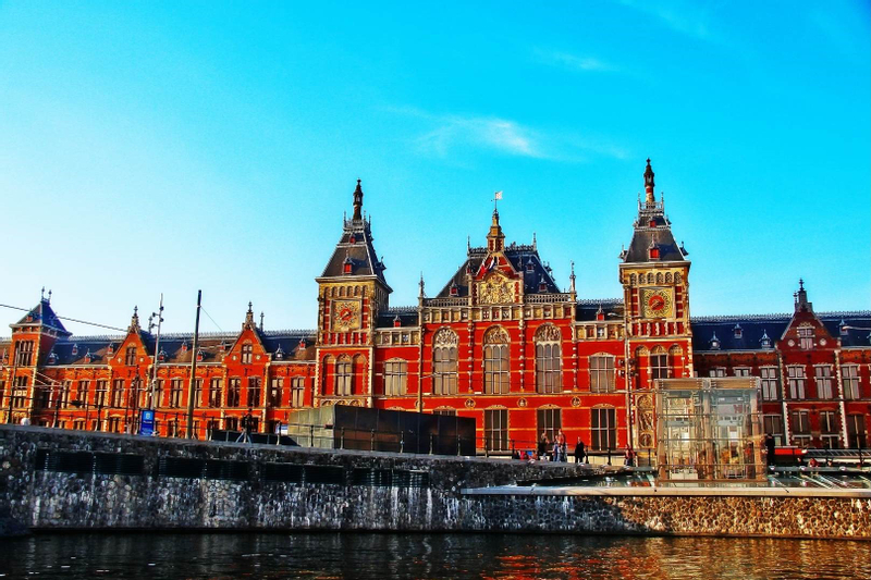 [Online Tour Guide - Netherlands] Explore the city near by water, Amsterdam