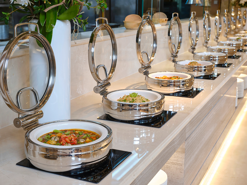 Seafood Buffet and Free Flow Drink at LOTTE Hotel Saigon
