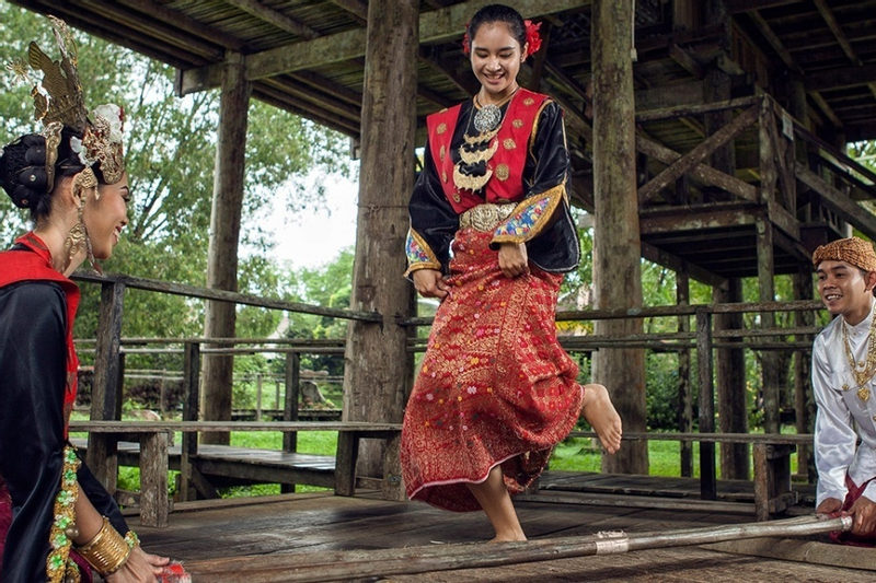 Sarawak Cultural Village Half Day Tour from Kuching