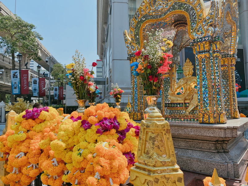 Bangkok Erawan Shrine Make a wish or Votive Online Service by Yafi Thailand