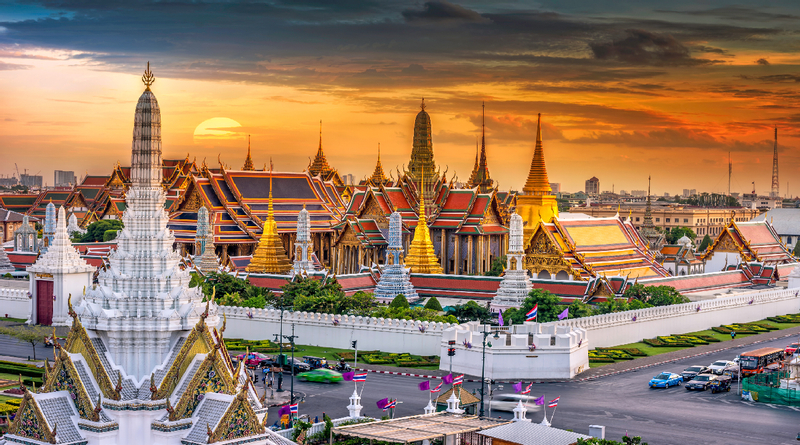 Bangkok Landmarks Day Tour: Grand Palace, Wat Pho, Chao Phraya River, and More by Oriental Holiday