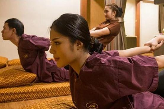 Bounce Emquatier Lek Massage Experience in Bangkok