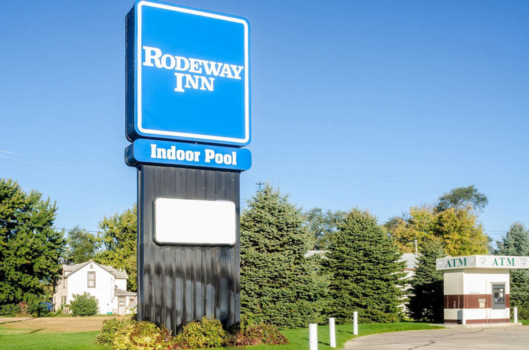 Rodeway Inn, Brown