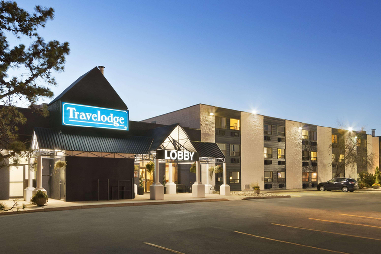 Travelodge by Wyndham Edmonton South, Division No. 11