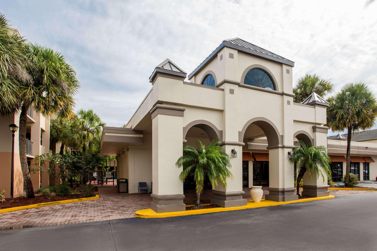 Days Inn & Suites by Wyndham Orlando Airport, Orange