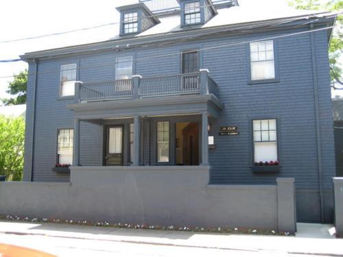 Elm Street Inn, Newport