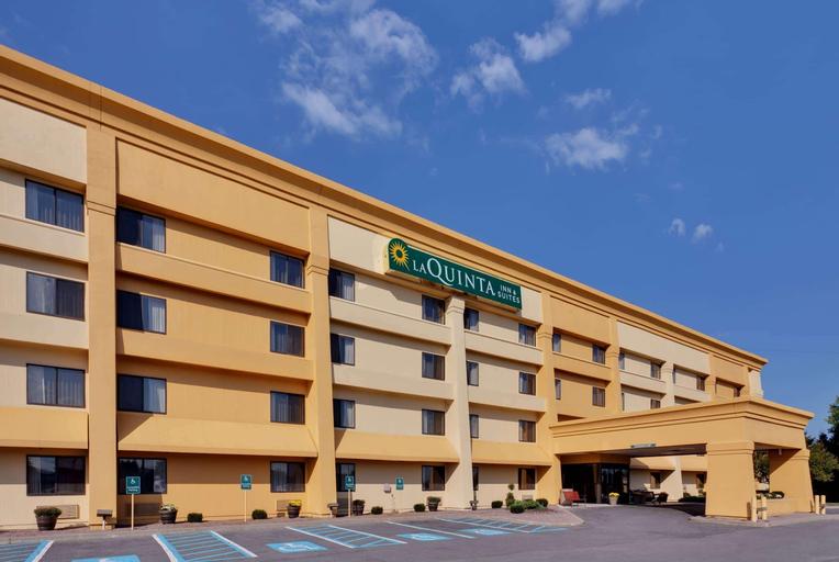La Quinta Inn Suites By Wyndham Plattsburgh, Clinton