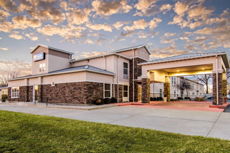 Comfort Inn & Suites Junction City - near Fort Riley, Geary