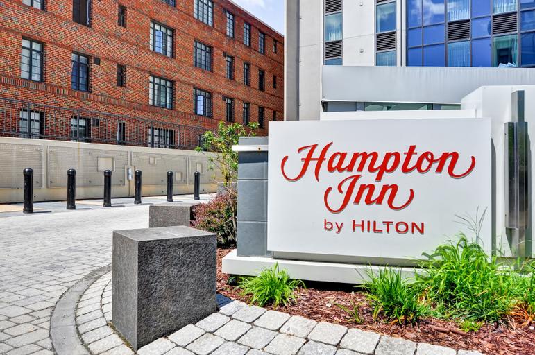 Hampton Silver Spring, Montgomery
