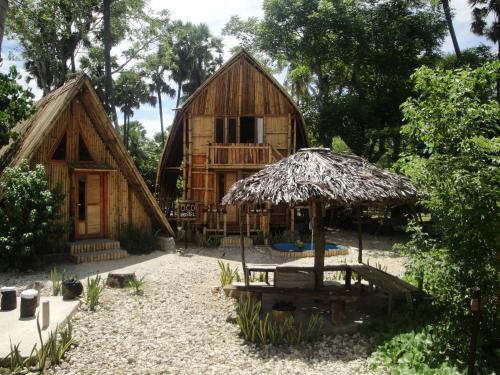 OCD Beach Cafe & Hostel, Kupang