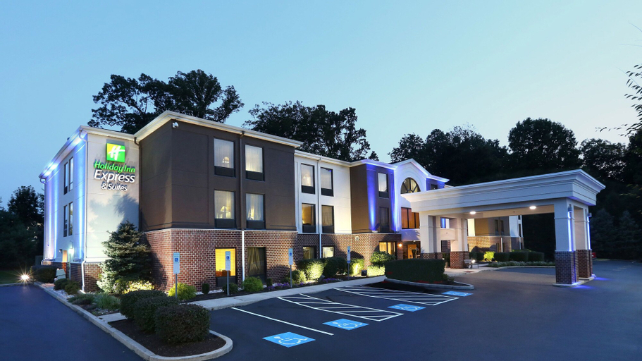 Holiday Inn Express Hotel & Suites West Chester, an IHG Hotel, Chester