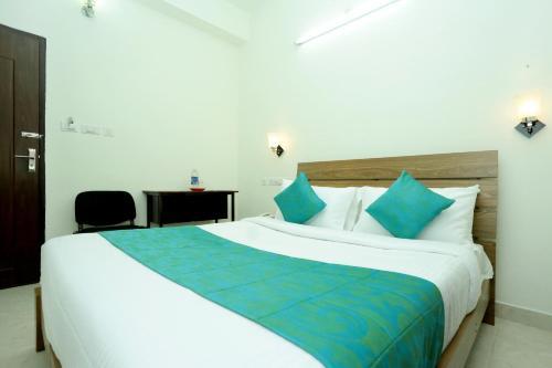 Hotel White Residency, Ernakulam