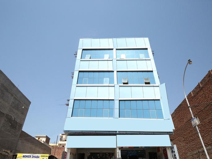 OYO 12351 Hotel Chandigarh, Sahibzada Ajit Singh Nagar