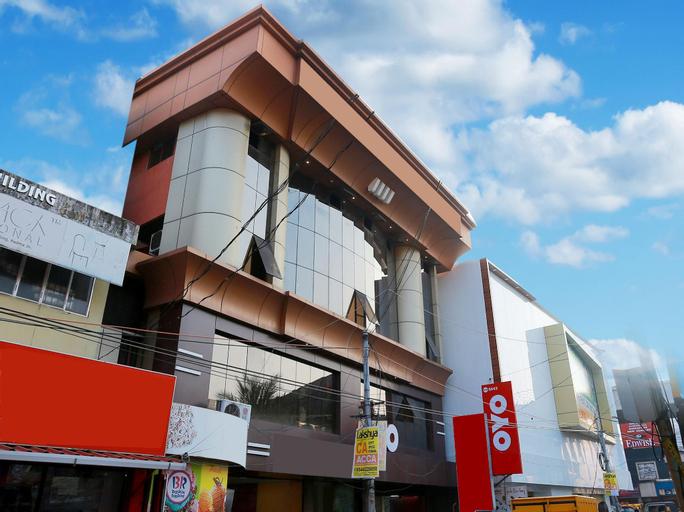 OYO 5643 Hotel Malabar Plaza, Ernakulam