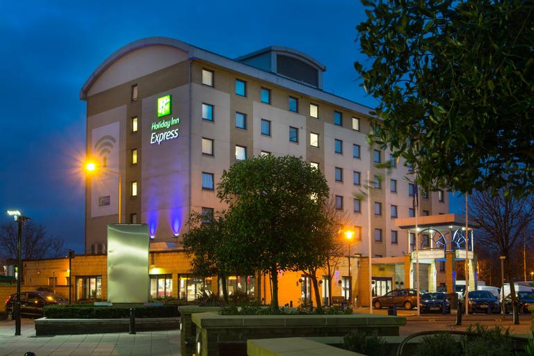 Holiday Inn Express London - Wandsworth, London