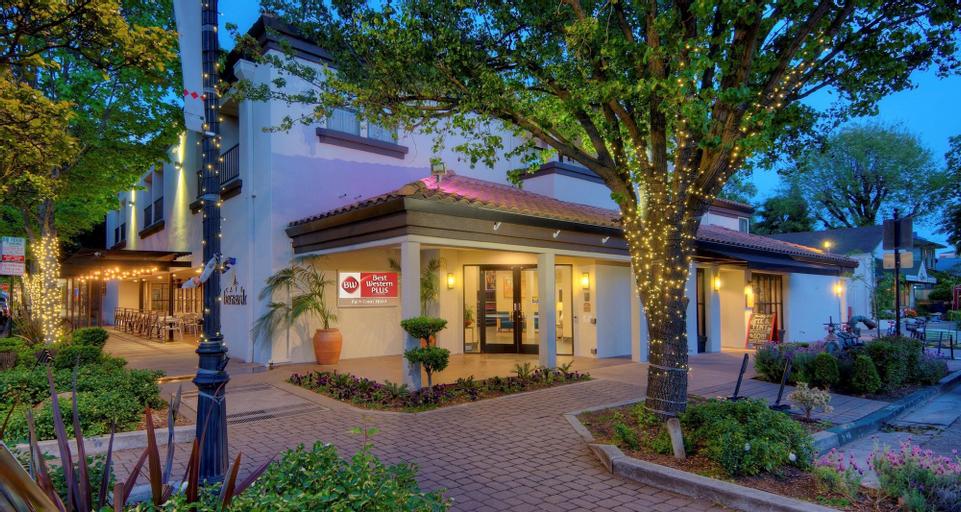 Best Western Plus Palm Court Hotel, Yolo