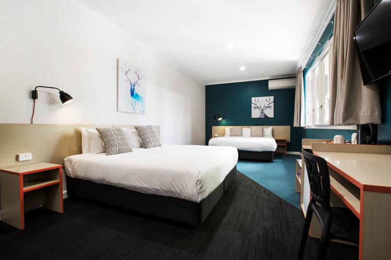 Greenacre Hotel, Bankstown - North-East