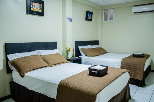 Paris Suite Hotel, Machala