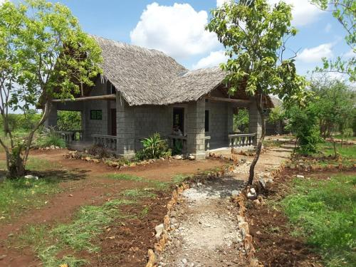 Ryllod Sunrise Lodge, Meru National Park, Igembe Central