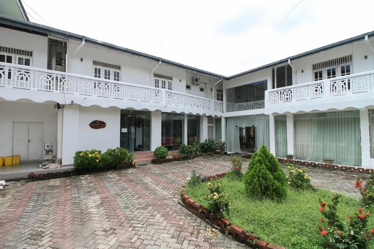OYO 347 Hotel Empryean, Katana
