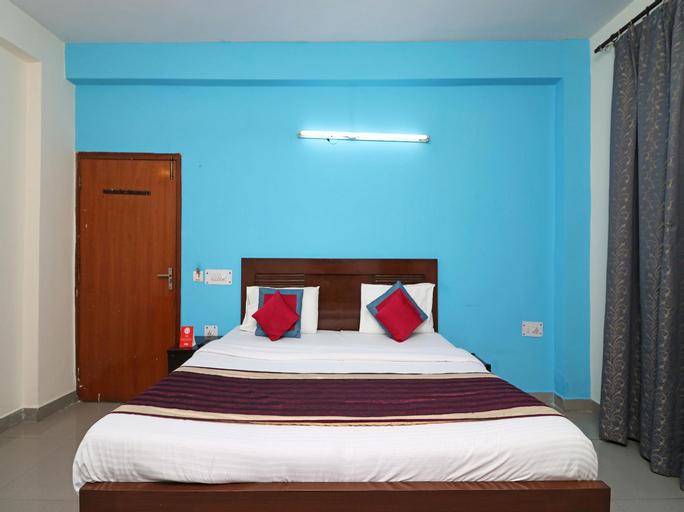 OYO 10662 Hotel Akash Palace, Gautam Buddha Nagar
