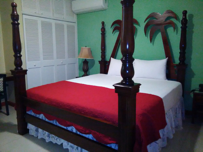 Glistening Waters Hotel,
