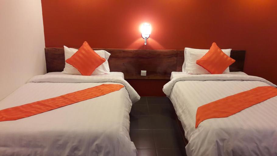vKirirom Pine Resort, Chbar Mon