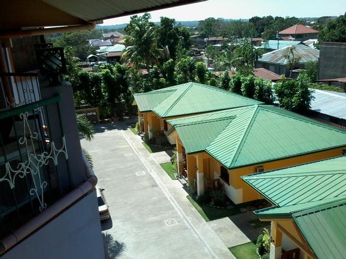 Farm Side Hotel, San Nicolas