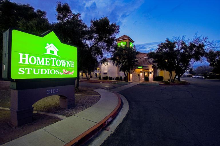 HomeTowne Studios Phoenix - Dunlap Ave., Maricopa