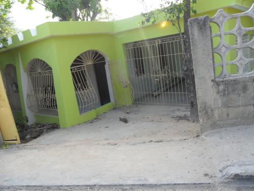 House, Consuelo