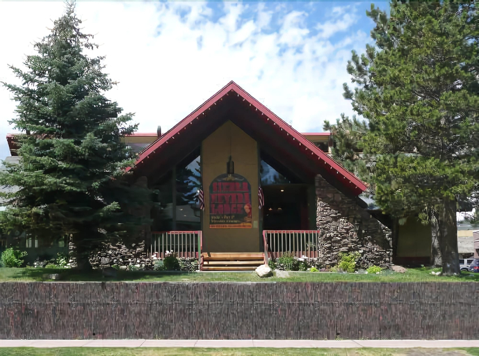The Lodge at Sierra Nevada Resort & Spa, Mono