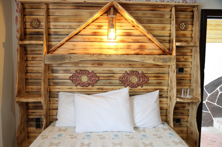 Abant Manzara Butik Otel, Merkez