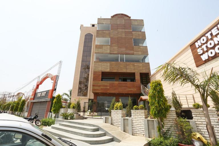 OYO 29618 Hotel Stonewood, Aligarh