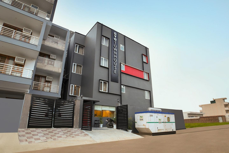 OYO 61 TownHouse Sector 52_OTH, Gurgaon