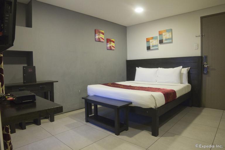 Jade Hotel & Suites, Makati City